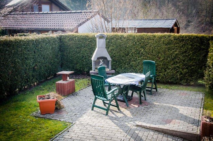 Gemütliche Wohnung in Waldnähe - Edertal - Apartamento