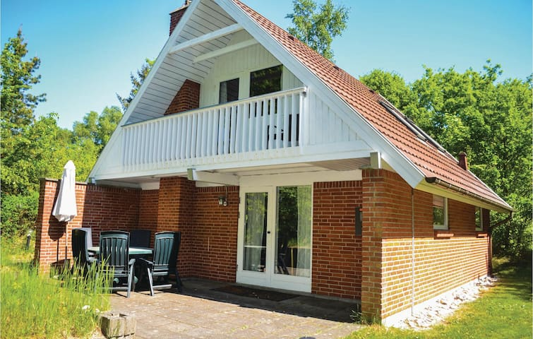 Holiday cottage with 3 bedrooms on 87m² in Glesborg