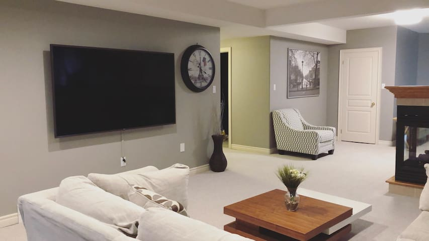 Bright Luxury Suite - New and Modern