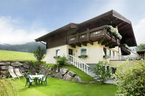 Villa moderne avec sauna près du domaine skiable de Filzmoos