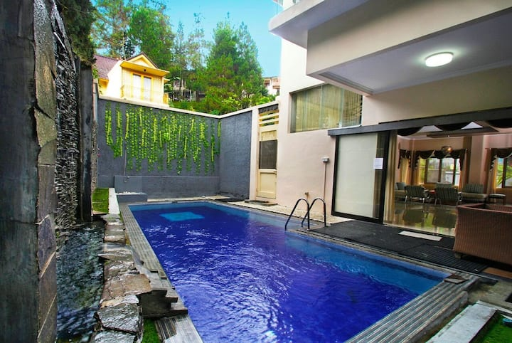 Chic Sanctuary with Pool in Dago, Bandung
