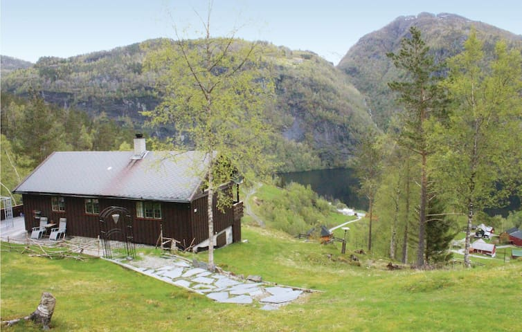 Holiday cottage with 2 bedrooms on 85 m² in Bolstadøyri