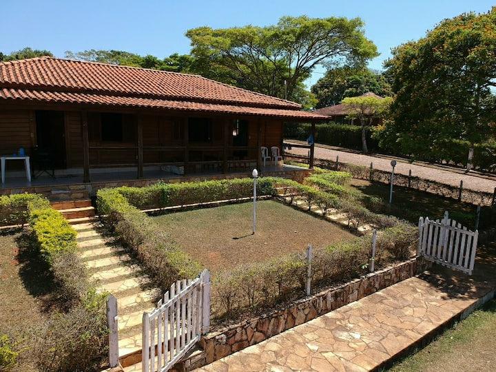 Casa-Chalé Recanto das Orquídeas