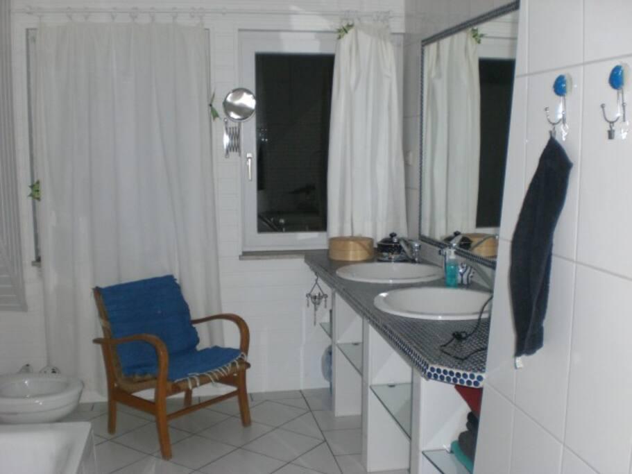 g stzimmer m cke maisons louer bad zwischenahn niedersachsen allemagne. Black Bedroom Furniture Sets. Home Design Ideas