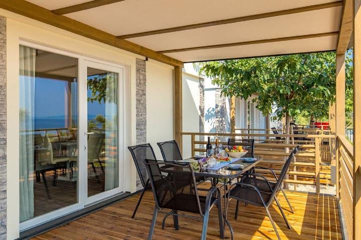 Premium Mobile home with sea view