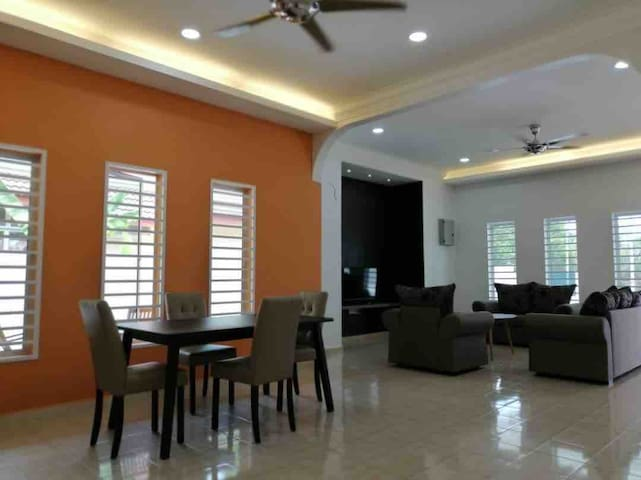3 Bungalow House Next to Giant Kuala Pilah Lot 21