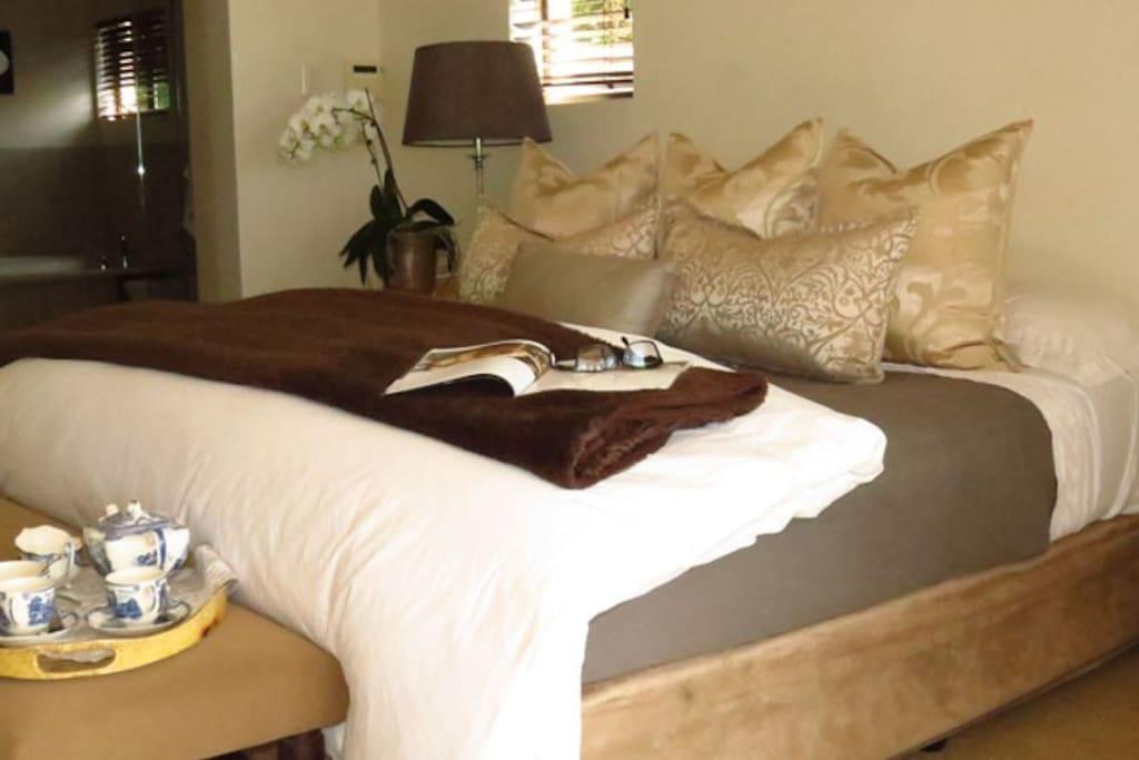 Main Bedroom - King size bed, en-suite