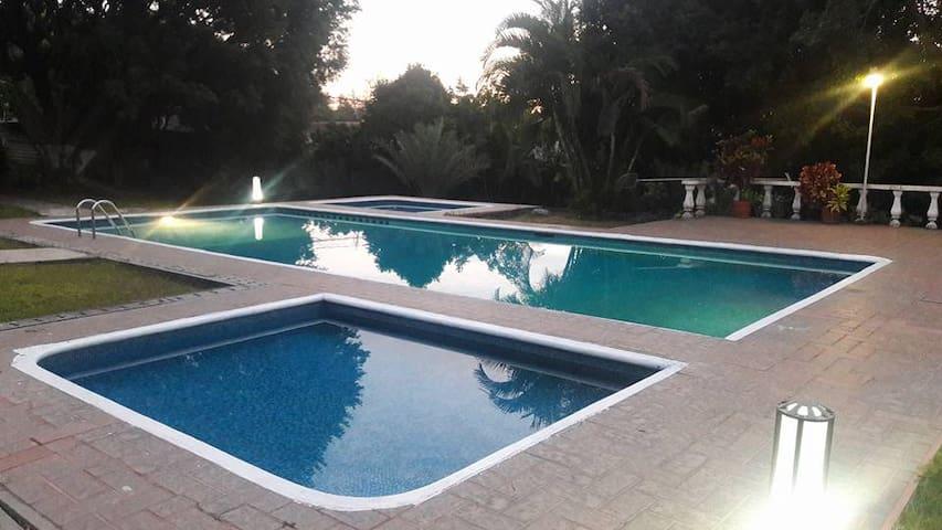 privada 7 casas  en cuernavaca mex - Tres de Mayo - Casa