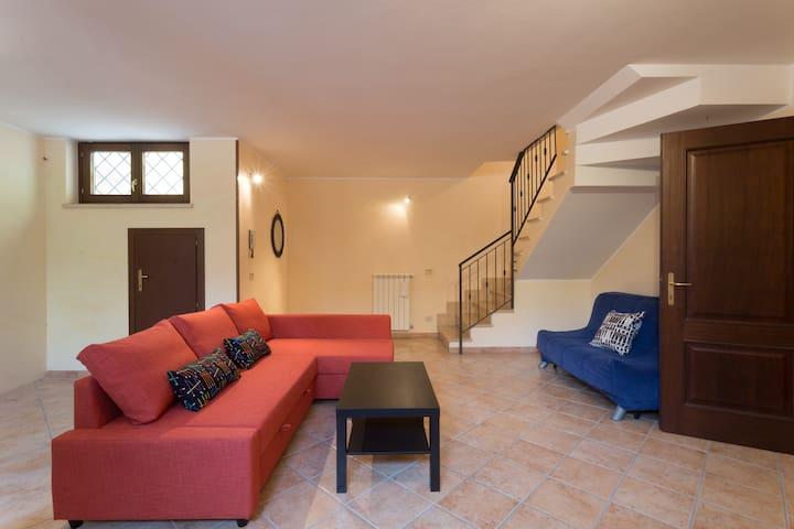 Entire Villa+ BnB, btw Rome & Ostia - Municipio Roma X - Villa