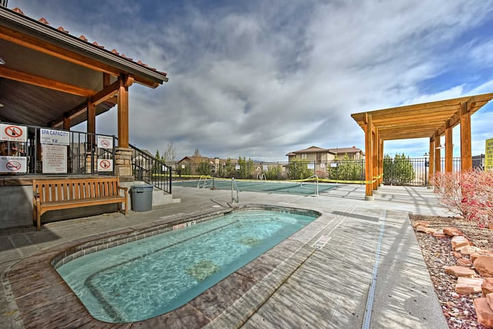 Enjoy access to a seasonal community pool and hot tub during your stay!