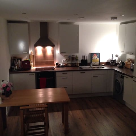 Riverside View 1 bed-Central London