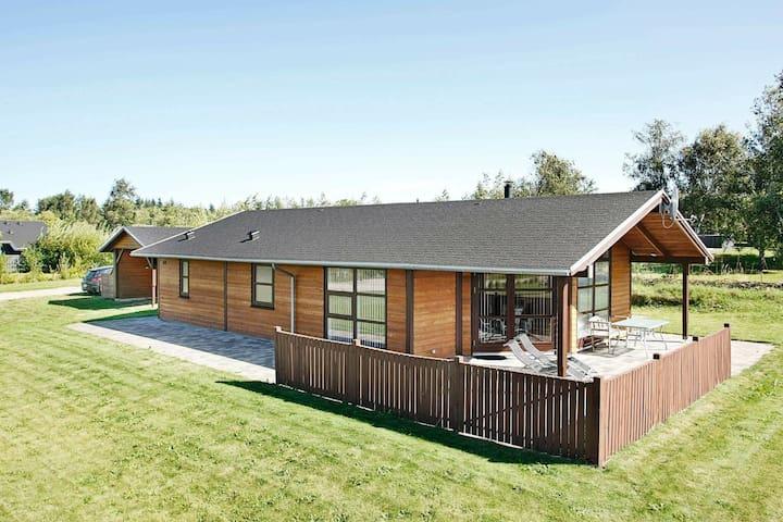 Modern vakantiehuis met sauna in Fjerritslev