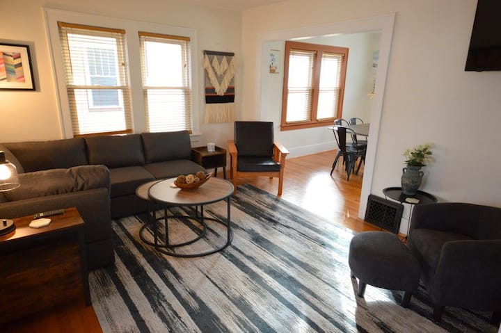 Cherry Cottage Suite A is walking distance to Lake Michigan