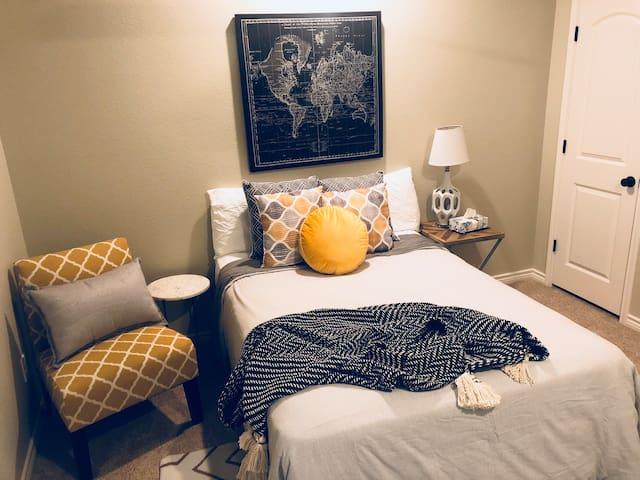 Rustic Lodge #3: Superhost—Full Bedroom Suite!