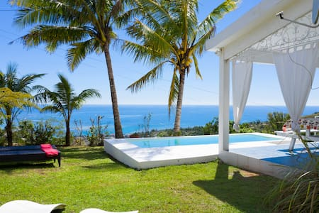 Rodrigues,1 hours flight;a Must!private pool&view