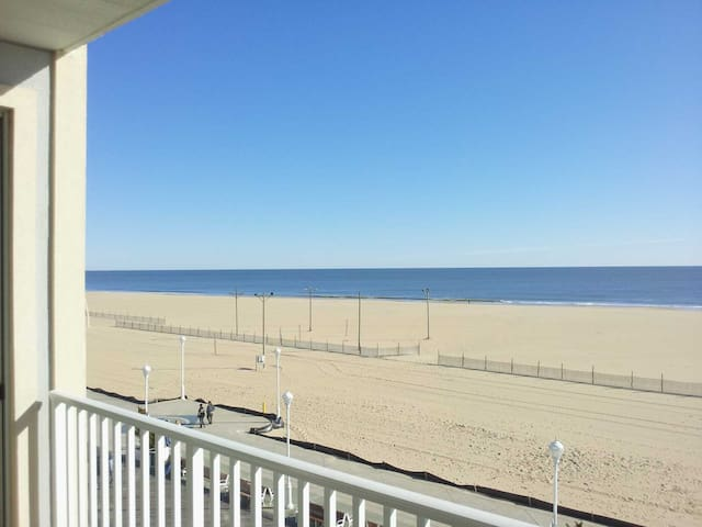 Fantastic New Ocean Front Condo on OC Boardwalk