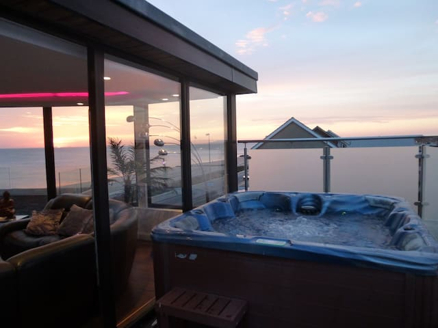 Hot tub spa on our roof top terrace