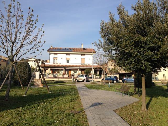 Camere in Appartamento di Casa Bifamiliare - Assisi-Santa Maria degli Angeli - Apartmen
