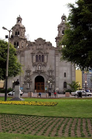 Iglesia del Parque Central just 7 minutes walking