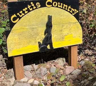 Curtis Country