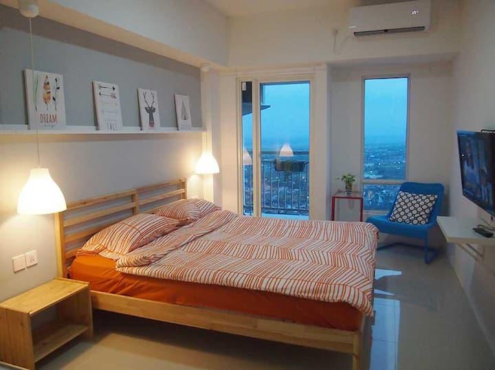 Charming Studio Apartment in West Surabaya