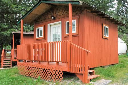 Gwin's Lodge Pine Cabin #16 (NO RUNNING WATER)