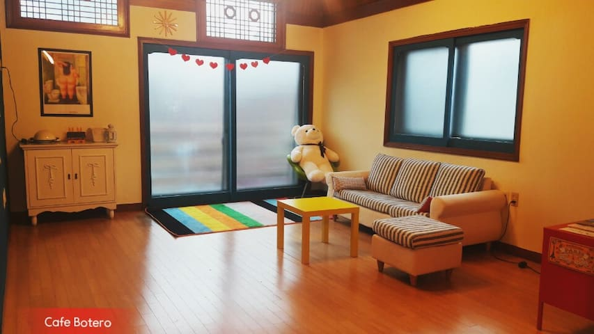 CafeBotero 2 beds(very close to Kintex). - Ilsanseo-gu, Goyang-si - Daire