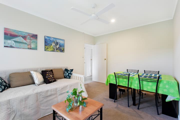 Renovated little gem in a vibrant suburb Carnegie