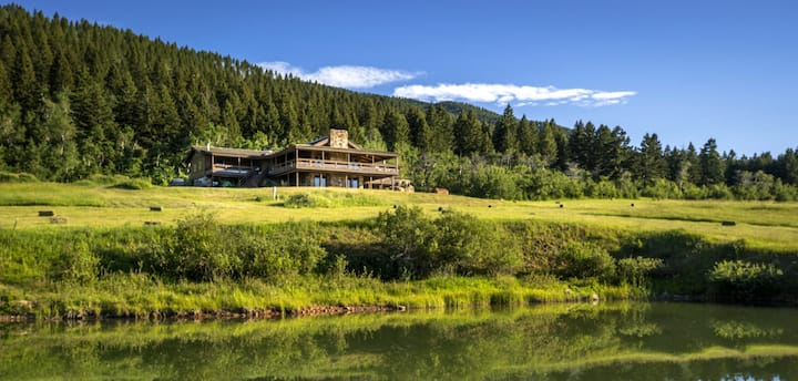 Stunning Mountain Escape at Silver Brand Ranch