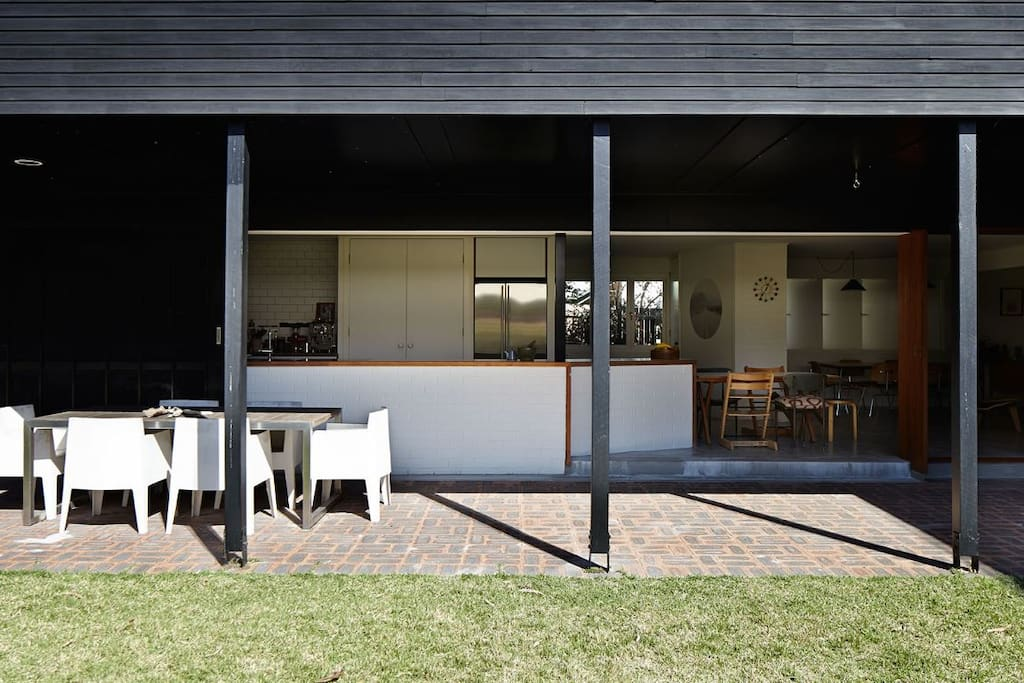 Indoor / Outdoor Living