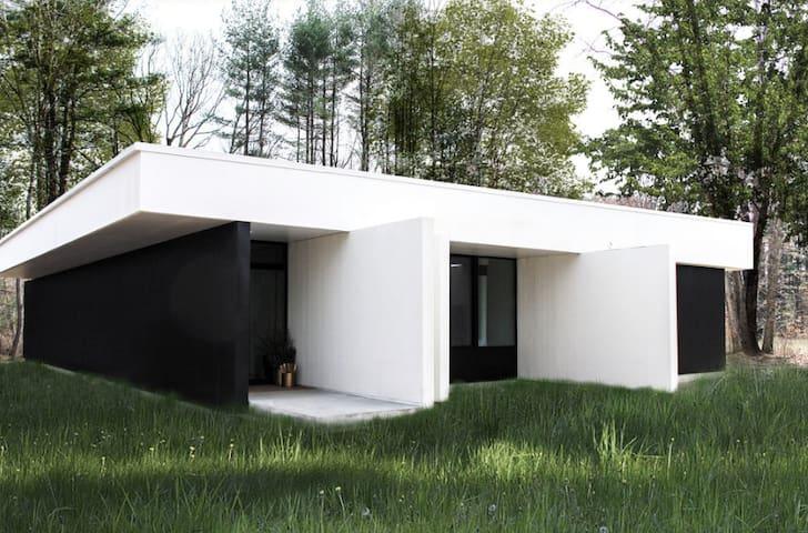 Modern Mountain House Near Catskills + Minnewaska