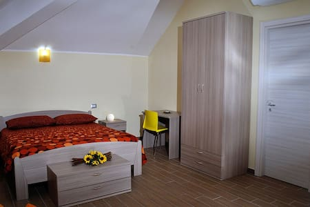B&B MeM - Stanza Girasoli - Bed & Breakfast