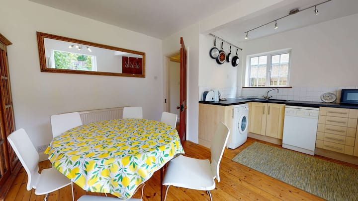 Cozy 2BR holiday home in Eynsham