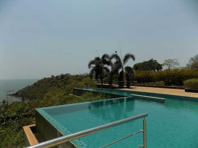 2bhk luxury apt. w/ pool Dona Paulo - Panjim