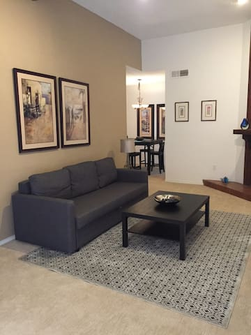 N. Dallas One Bedroom Cozy, Quiet Condominium - Dallas