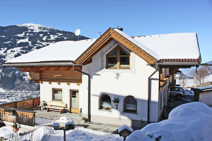Spacious Chalet in Zell am Ziller near Ski Area