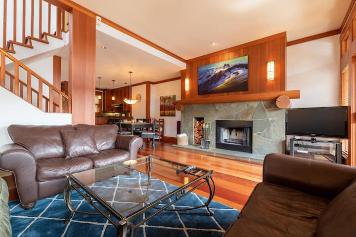 Ski in/ski out luxury chalet on Whistler mountain
