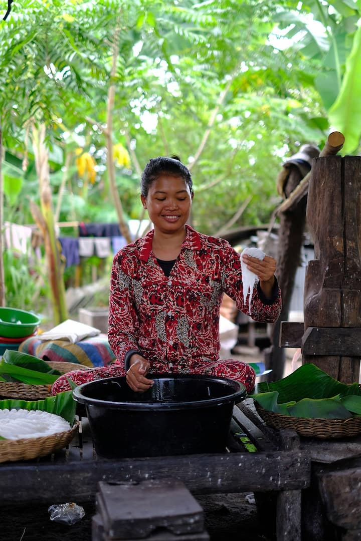 Cambodian Noodle making