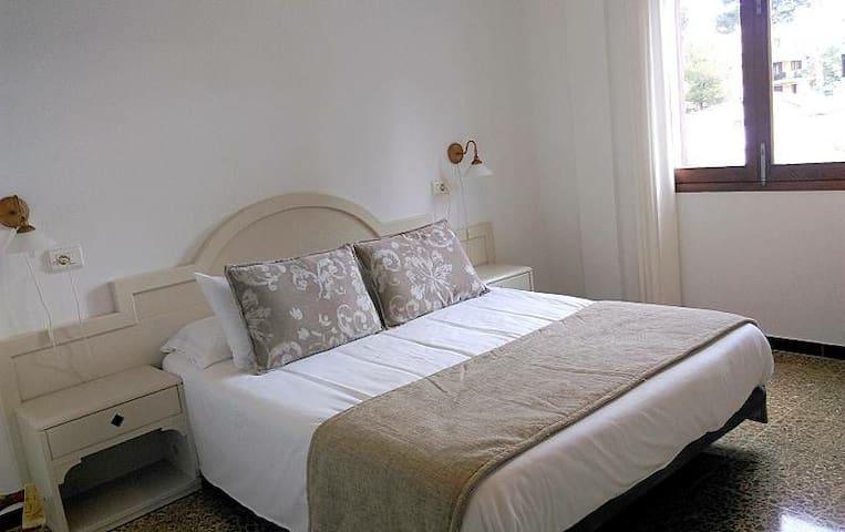 Frat's House Suite