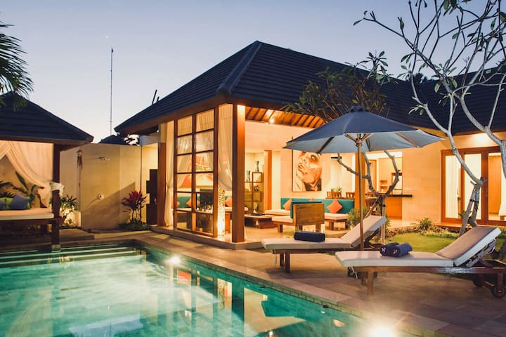 ✰3BR Villa with pool in Seminyak ✰BungaNeilVilla✰