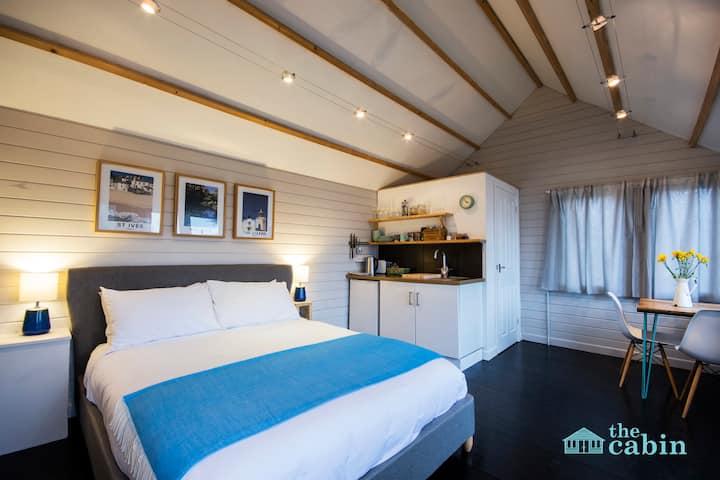 Beautiful cabin in central Truro