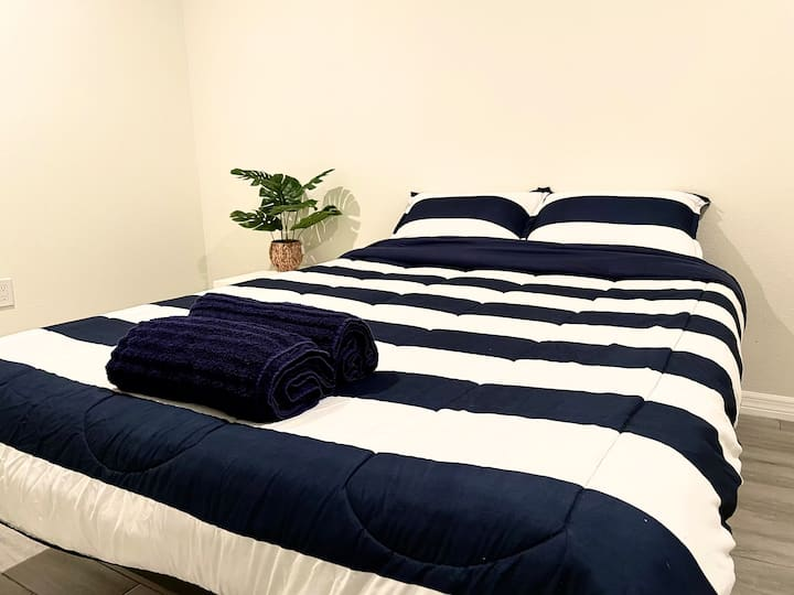 Memory Foam Bed/Private Bath/No Cleaning Fee