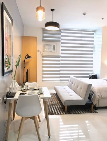 *NEW Bright-Stylish,Spacious Beautiful Large Suite