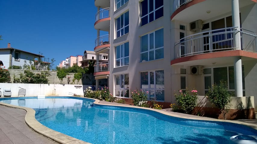 1 bed apartment for 5 on Albena Bea - Kranevo - Apartamento