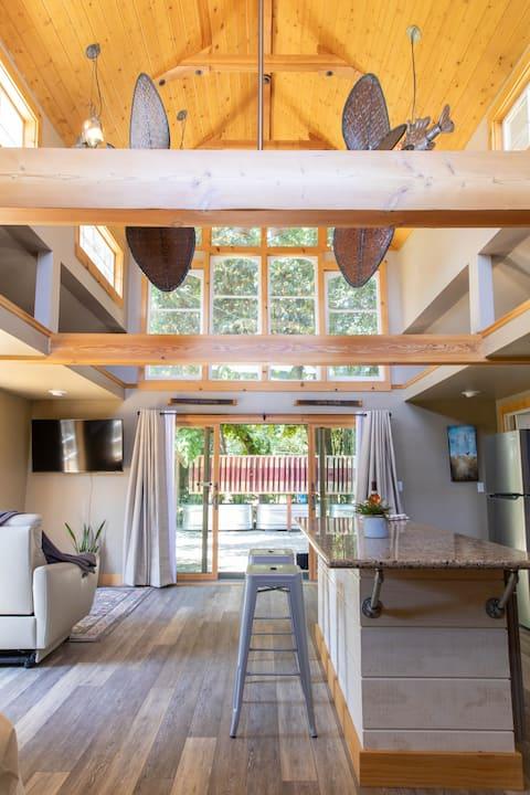 Brix - Spacious Private Suite at Gale Vineyards