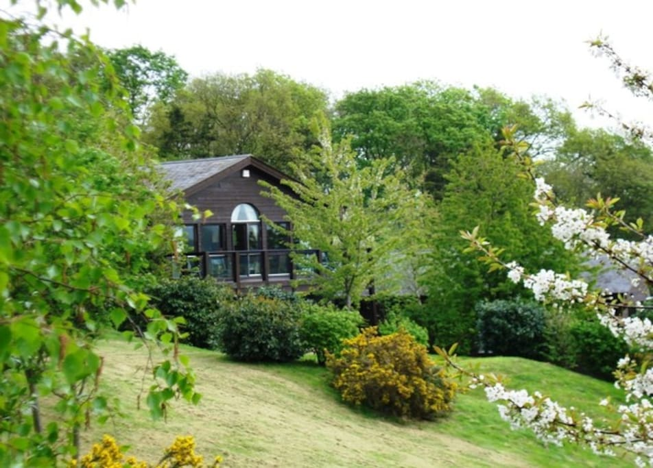 Large detached lodge in beautiful countryside