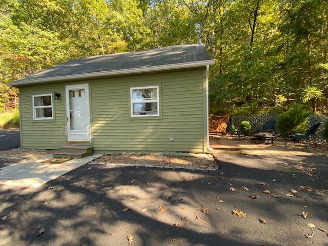 Appalachian Cottage Retreat Self Check-in