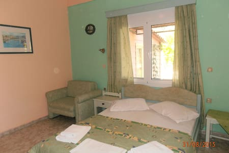 KIPOS STUDIOS - Lesbos Prefecture - 宾馆