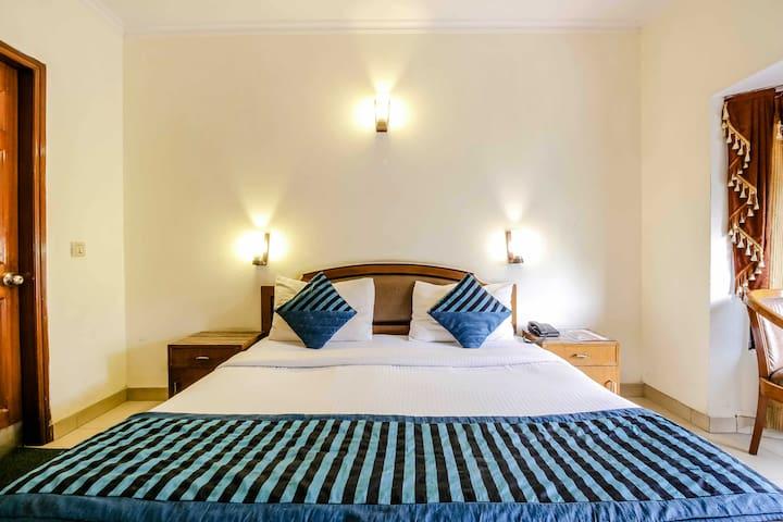 Spacious 4Rms//DLF 2//Gurgaon//SMART inn Hotel