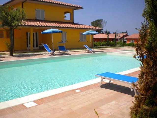 New apartment 4 pax with pool and air conditioning - Scarlino - Daire
